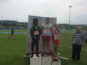 Aoife Giles recieving her Gold medal for shot putt.