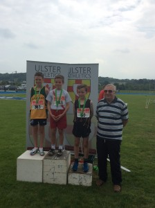 Oisin Kelly recieving his Gold medal for the 600m